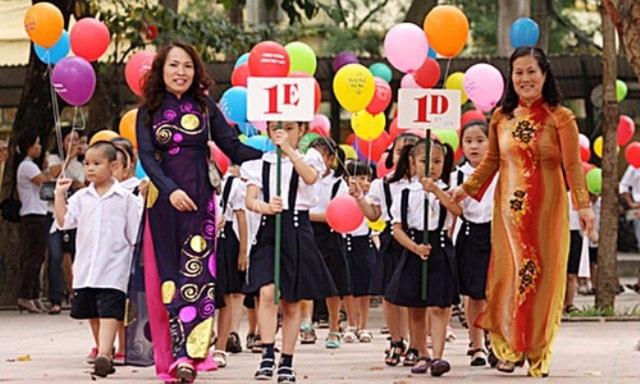 Đào tạo lại đội ngũ giáo viên là việc phải làm trước tiên khi tiến hành cải cách giáo dục - đó chính là điều chúng ta rút ra được từ triết lý giáo dục Hồ Chí Minh.