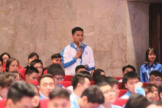 Sinh viên có rất nhiều nguyện vọng muốn được Bộ trưởng Bộ GD&ĐT giải đáp