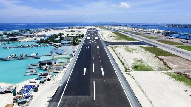 Dự án đường băng mới do tập đoàn Trung Quốc xây dựng tại sân bay quốc tế Velana ở Maldives (Ảnh: AP)