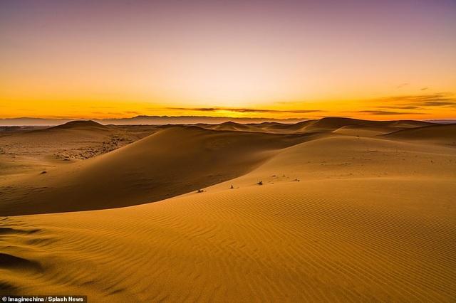 Thông thường, sa mạc này có điều kiện thời tiết khô và nóng (Ảnh: Splash News)