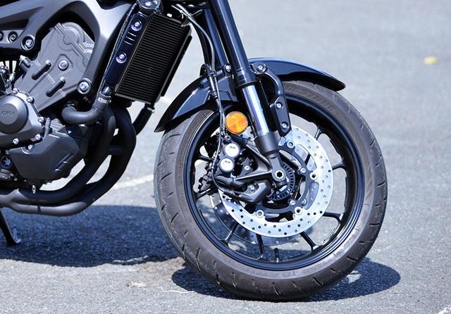 Yamaha công bố giá bán MT-09 và XSR900 tại Việt Nam - Ảnh 12.