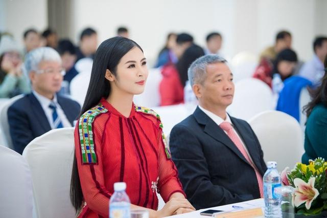 Là một Hoa hậu năng nổ trong các hoạt động quảng bá cho văn hóa truyền thống của quốc gia, Ngọc Hân đã trở thành đại sứ của Lễ hội văn hóa thổ cẩm Việt Nam, được tổ chức lần đầu tiên tại Đắk Nông. Ngọc Hân xuất hiện cùng trang phục do chính cô thiết kế và sử dụng chất liệu thổ cẩm của dân tộc Pà Thẻn.