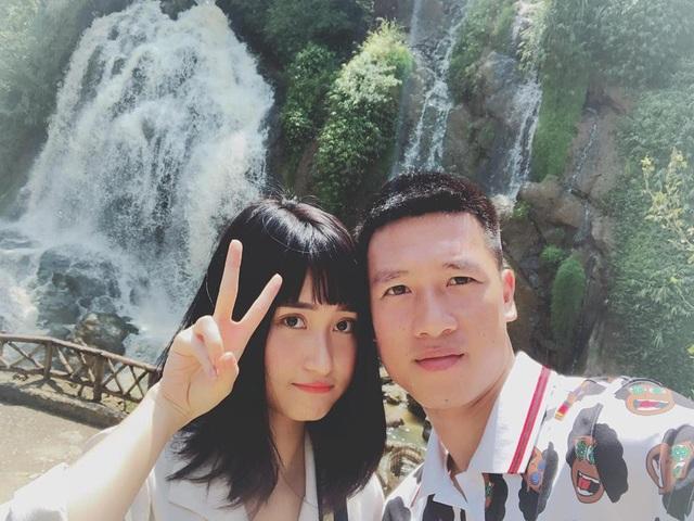 Bạn gái Huy Hùng ĐT Việt Nam tiết lộ chiêu cầu may của cầu thủ này - 6