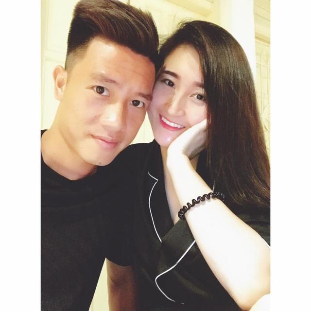 Thêm hình ảnh Huy Hùng và bạn gái