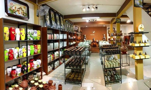 BatTrang Family chi nhánh Lâm Hà là nơi quy tụ những sản phẩm gốm sứ chính hãng, chất lượng cao.