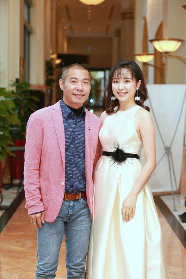 NSƯT Công Lý cùng nữ diễn viên Kim Oanh trong buổi họp báo.