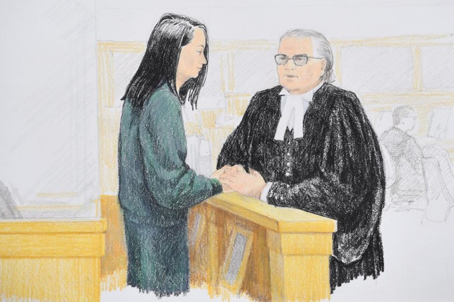 Tranh vẽ giám đốc tài chính Huawei Mạnh Vãn Chu nắm tay luật sư của bà tại phiên tòa ở Canada ngày 10/12. (Ảnh: Canadian Press)