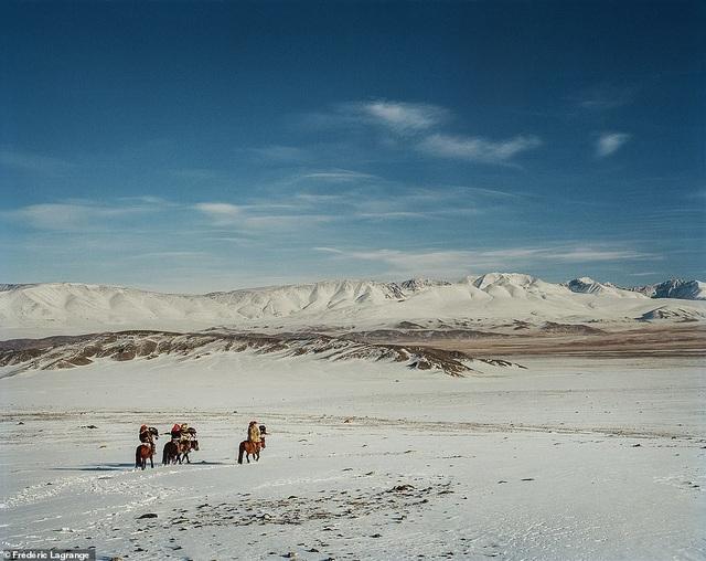 Những bức ảnh mê hoặc về Mông Cổ - 14