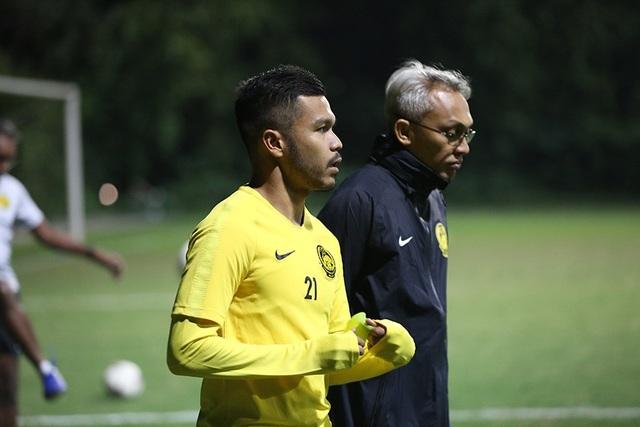 Đội tuyển Malaysia không mặc áo khoác, làm quen với cái lạnh tại Hà Nội - 7