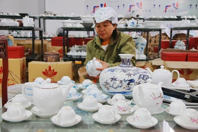 Các sản phẩm gốm Bồ Bát rất đa dạng về chủng loại và mẫu mã, cạnh tranh trở lại trên thị trường với các làng gốm trong và ngoài nước.