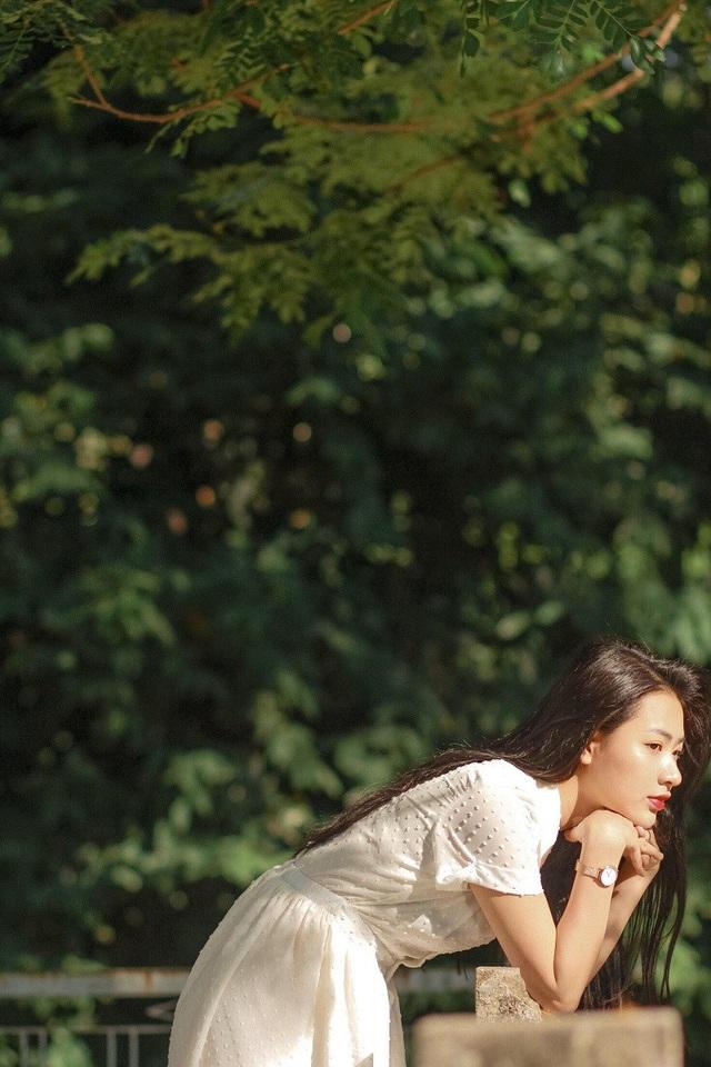 Sở hữu nhan sắc ấn tượng song Trang tiết lộ chưa từng thử sức với cuộc thi sắc đẹp nào và trong tương lai cũng chưa có ý định vì muốn tập trung cho diễn xuất.