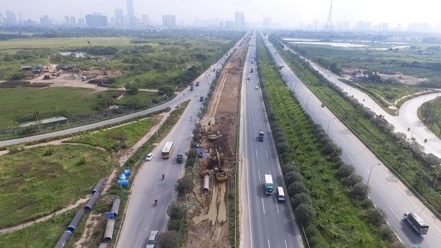Dự án xây dựng, lắp đặt tuyến đường ống nước sạch sông Đà số 2 chính thức được triển khai thi công từ ngày 9/5/2018. Dự kiến, đến quý IV năm 2019, công trình này sẽ hoàn thành và sẽ nâng công suất cung cấp nước sạch của Nhà máy nước sạch sông Đà từ 300.000 m3/ngày đêm lên 600.000 m3/ngày đêm.