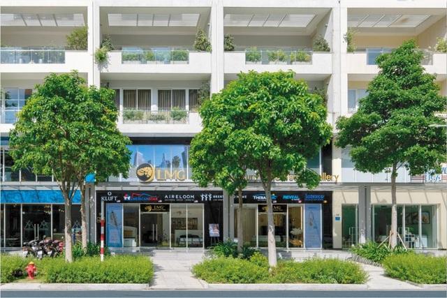 Vẻ ngoài sang trọng, bề thế của showroom LMG - showroom nệm đẳng cấp nhất khu vực Đông Nam Á tại Tp. Hồ Chí Minh