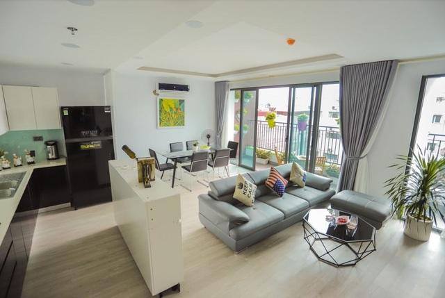 """Để """"mục sở thị"""" căn hộ tương lai tại One 18, khách hàng có thể tham quan căn hộ mẫu tại tầng 4 dự án."""