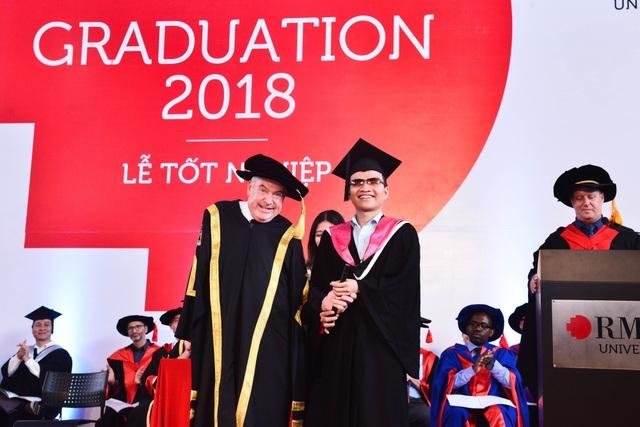 Nguyễn Thành Vinh tại lễ tốt nghiệp ĐH RMIT