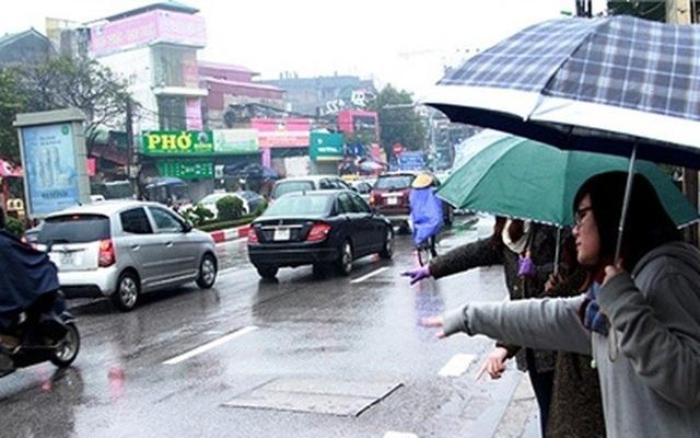 Trong những ngày mưa rét vừa qua, có tài xế taxi nhận tới 400 lượt khách/ngày.