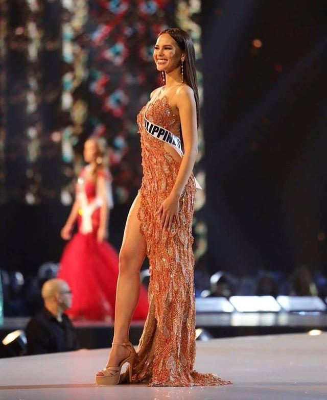 Hồ sơ thành tích đáng nể cùng vẻ ngoài nóng bỏng của tân Hoa hậu Hoàn vũ - 28