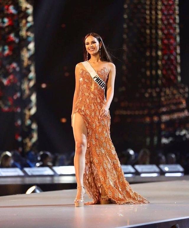 Hồ sơ thành tích đáng nể cùng vẻ ngoài nóng bỏng của tân Hoa hậu Hoàn vũ - 27