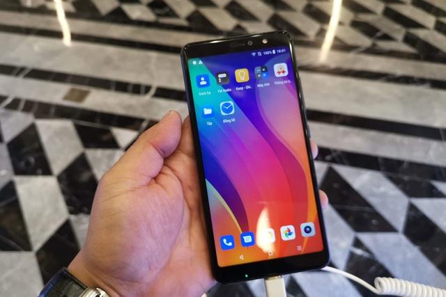 Cận cảnh Active 1+, smartphone có cấu hình khủng nhất của Vsmart - 11