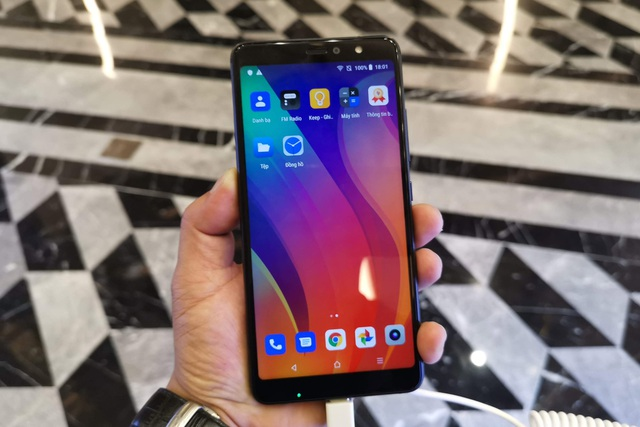 Cận cảnh Active 1+, smartphone có cấu hình khủng nhất của Vsmart - 12