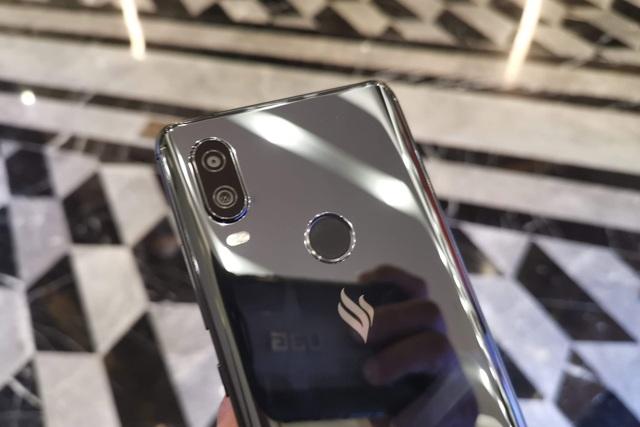 Cận cảnh Active 1+, smartphone có cấu hình khủng nhất của Vsmart - 10