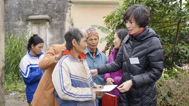 Công ty điện lực Thanh Hóa thăm và tặng quà hộ nghèo nhân tháng tri ân khách hàng năm 2018 - 4