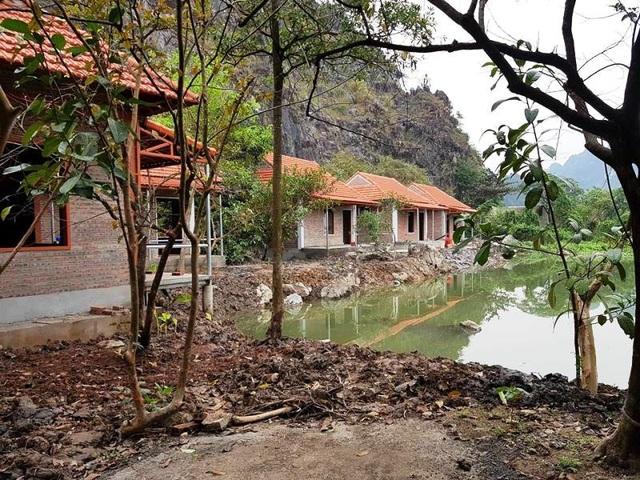 Một homestay đang xây dựng trái phép ở vùng lõi di sản Tràng An.