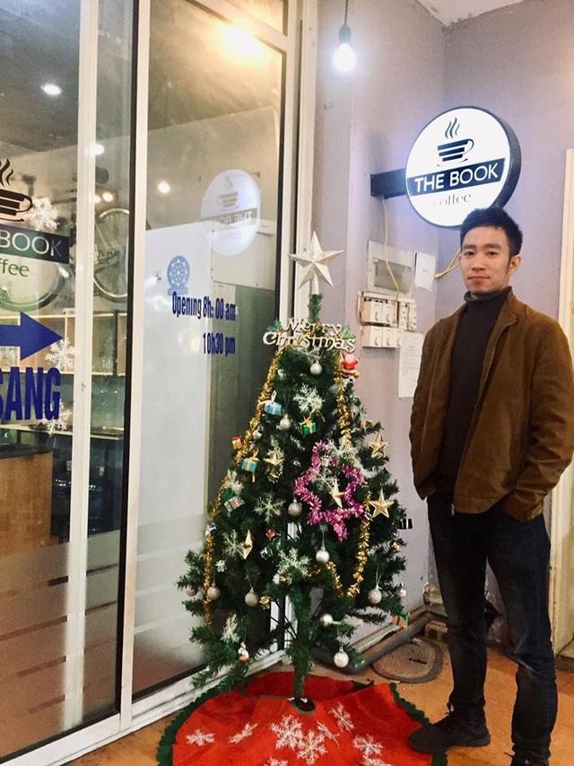 Chân dung chủ quán cà phê Noel không tiếp các cặp đôi
