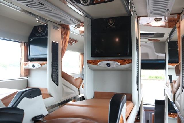 """""""Khách sạn di động"""" HAECO Limousine thứ 150 và dấu ấn Vinamotor - 3"""