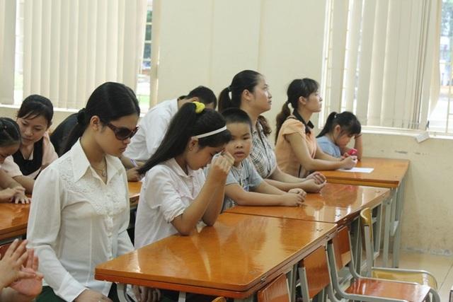 Một buổi học hòa nhập cộng đồng của học sinh khiếm thị trường PTCS Nguyễn Đình Chiểu (Hà Nội).
