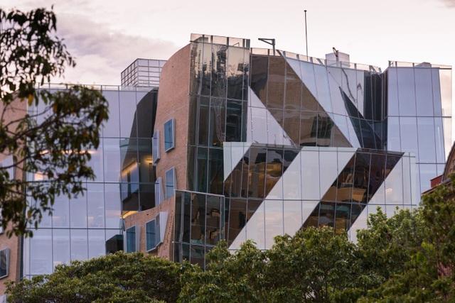 UTS Insearch là Phân viện đào tạo chương trình liên thông lên UTS, nằm ngay trung tâm thành phố Sydney.