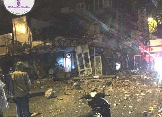 Ngôi nhà cổ là tiệm bánh Thiên Lý ở Huế bị đổ sập tầng 2 trong đêm (ảnh: facebook Huế)