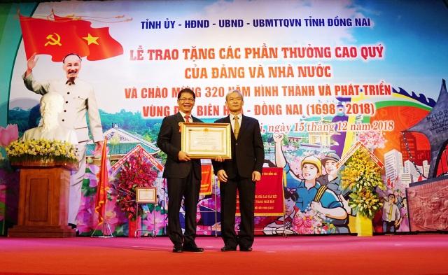 Ông Trần Bá Dương và THACO nhận Huân chương Lao động hạng Nhất - 1