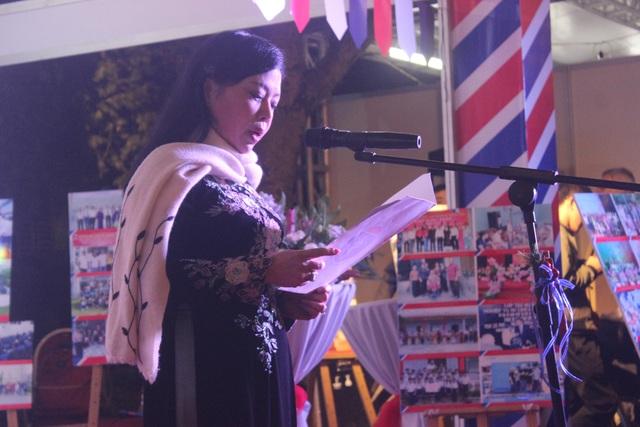 Bộ trưởng Bộ Y tế Nguyễn Thị Kim Tiến, Chủ tịch Hội Hữu nghị và hợp tác Việt - Pháp, đã phát biểu bằng tiếng Pháp tại sự kiện Lễ hội Pháp Balade En France.
