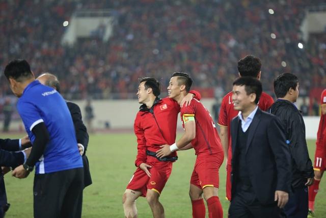 Niềm hạnh phúc tột cùng của tuyển thủ Việt Nam sau chức vô địch - 15