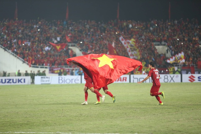 Niềm hạnh phúc tột cùng của tuyển thủ Việt Nam sau chức vô địch - 5