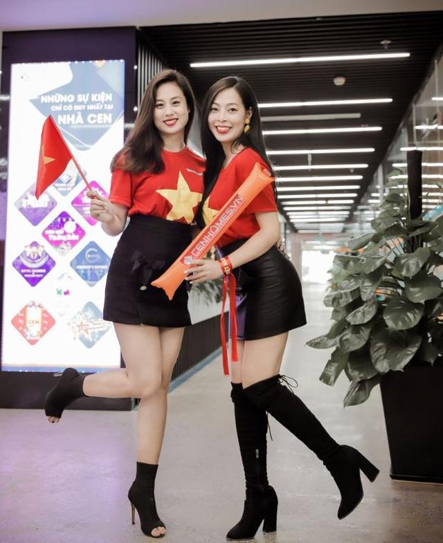 """Với bọn mình, dù kết quả chung cuộc thế nào thì đội tuyển quốc gia Việt Nam dưới sự dẫn dắt của HLV Park Hang Seo luôn là số 1"""" – người đẹp Miss Bikini CenGroup Thùy Dương chia sẻ."""
