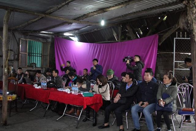 Lần đầu tiên một người dân Quảng Ninh... tổ chức họp báo.