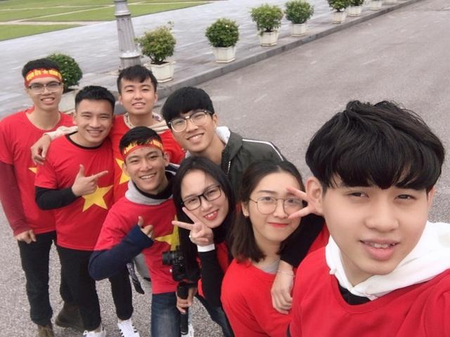 Quang Anh và nhóm bạn thực hiện MV Sẽ chiến thắng như một lời chúc chiến thắng tới đội tuyển Việt Nam trong trận chung kết AFF Cup 2018.