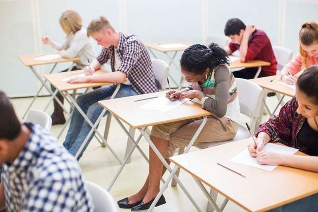 Giờ vào học muộn hơn mang lại lợi ích cho thanh thiếu niên - Ảnh 1.