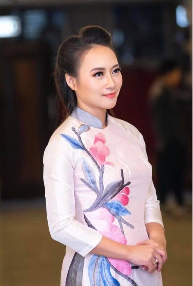 """""""Hoạ mi"""" Khánh Linh: """"Quang Hải là """"thành phần nguy hiểm"""" của Đội tuyển Việt Nam"""" - 11"""