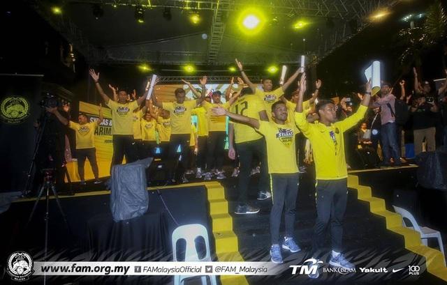 Thất bại trước đội tuyển Việt Nam, Malaysia vẫn được chào đón như người hùng - 7