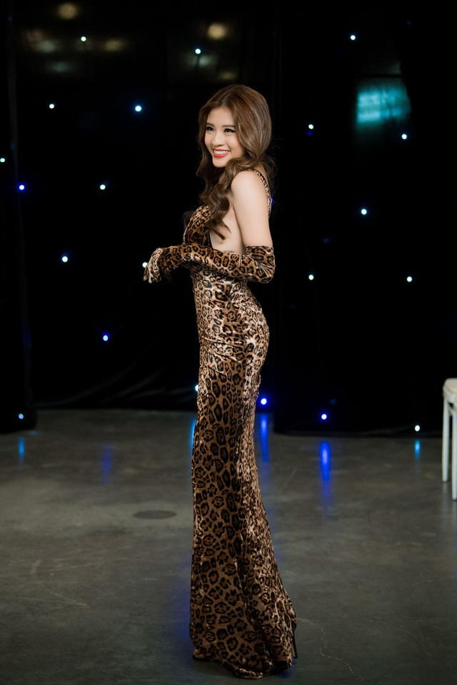 Hoa hậu Phan Hoàng Thu.