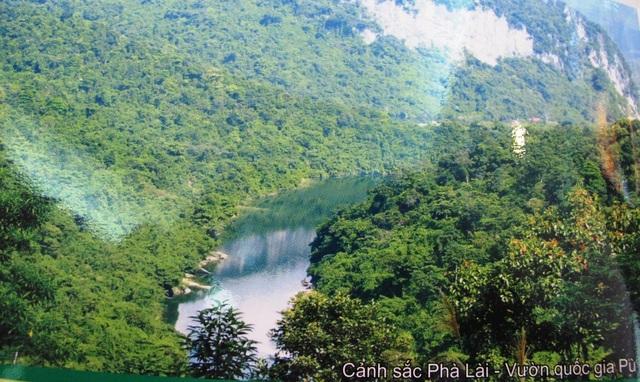 Khu dự trữ sinh quyển miền Tây Nghệ An, khu dự trữ có diện tích lớn nhất khu vực Đông Nam Á với tổng diện tích 1.303.285ha. Khu dự trữ sinh quyển miền Tây Nghệ An có tính đa dạng sinh quyển rất cao, đại diện cho hầu hết các kiểu rừng nhiệt đới, các sinh cảnh sống rất đa dạng, phong phú.
