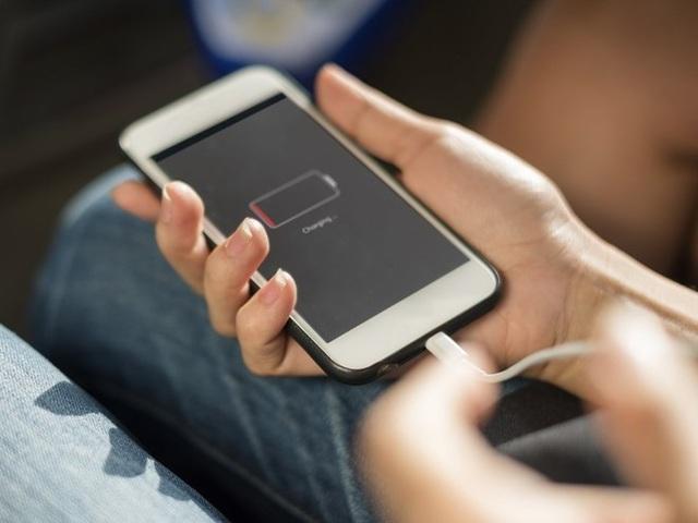 5 cách sạc pin điện thoại hiệu quả nhất - 1