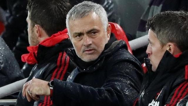 Mourinho cứng nhắc trong mối quan hệ với học trò và sử dụng chiến thuật