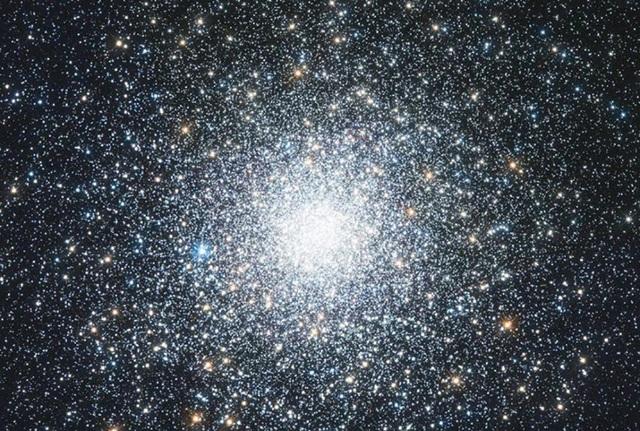 """Phát hiện """"hóa thạch"""" của vụ nổ Big Bang ẩn nấp trong không gian - Ảnh 1."""