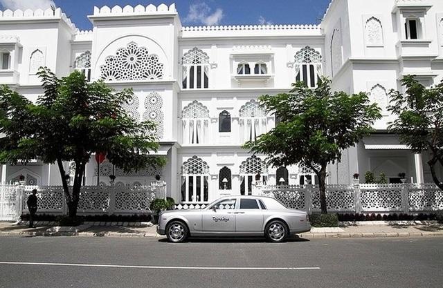 Chân dung nữ đại gia 9x Đào Ngọc Bảo Phương mua lại 2 toà lâu đài của KhaiSilk - Ảnh 1.