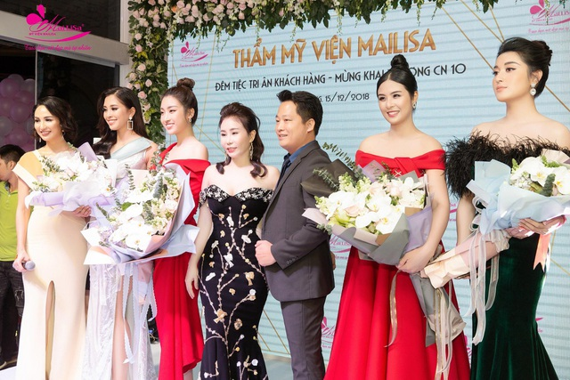 """Nữ doanh nhân xinh đẹp """"đọ dáng"""" cùng dàn Hoa hậu, Á hậu Việt Nam - 4"""