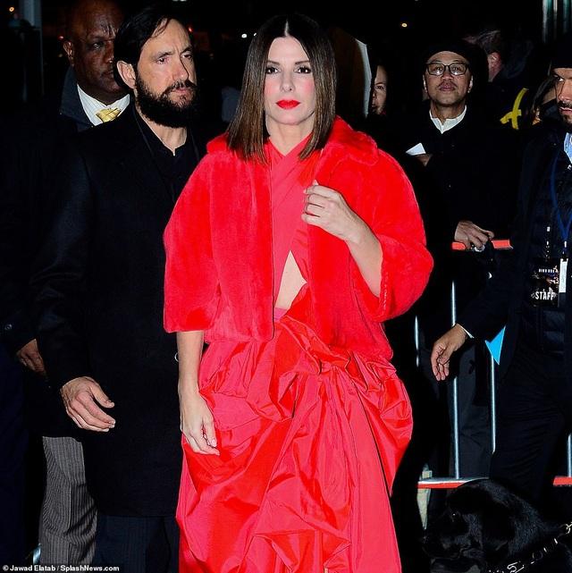 Sandra Bullock dự công chiếu phim mới của cô Bird Box tại New York ngày 18/12 vừa qua